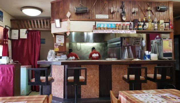インド料理屋エベレストの店内