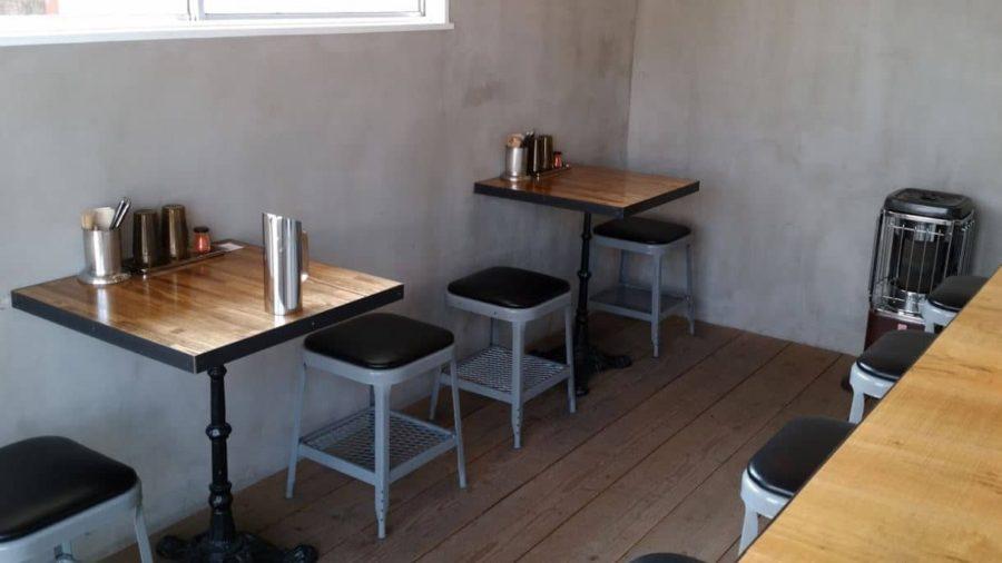ハリーカリーのテーブル席