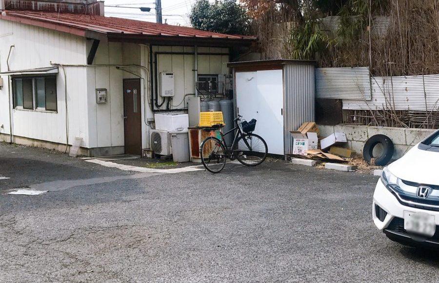 ガジローの駐車場