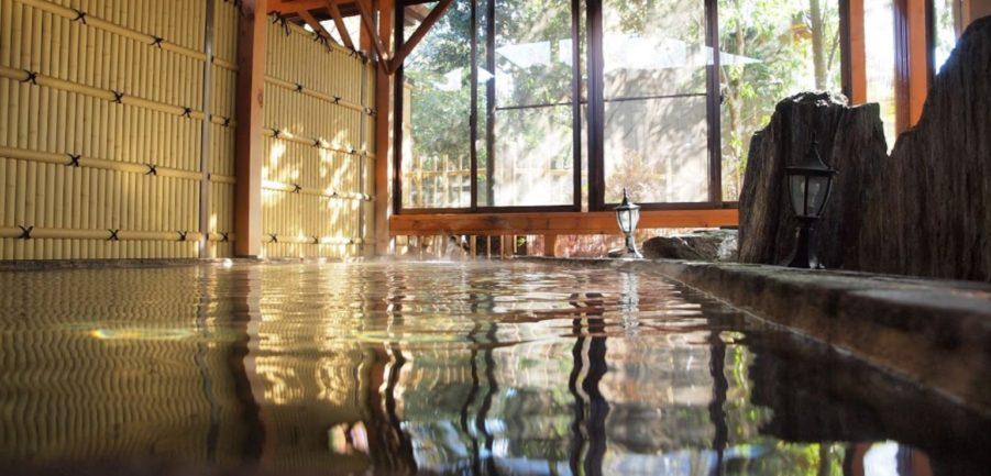 さくら温泉の露天風呂
