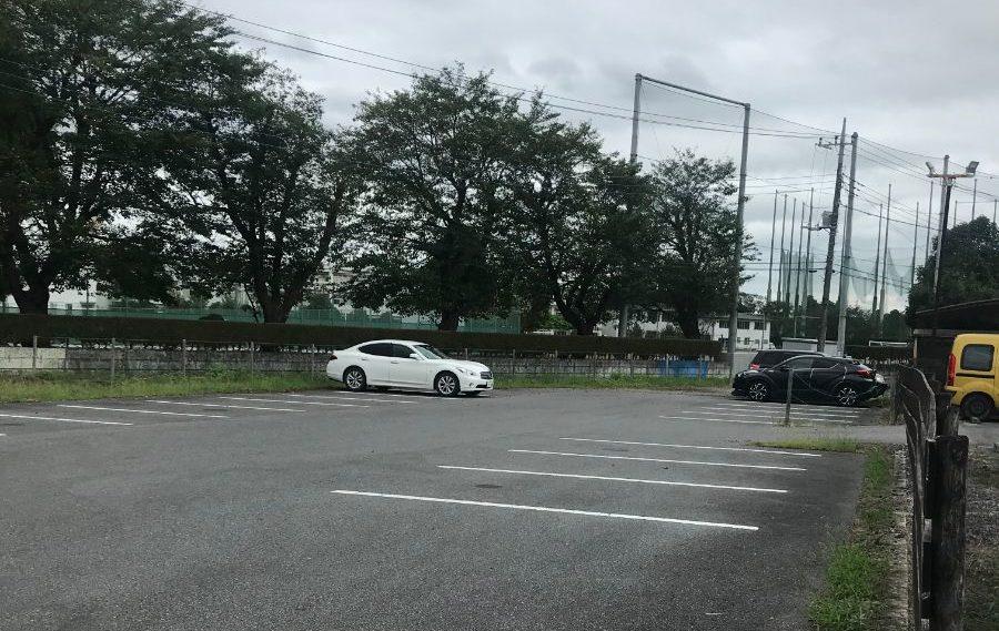 お店となりの駐車場